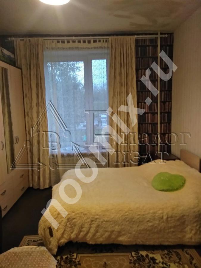 Продается комната в трехкомнатной коммунальной квартире в ...,  МОСКВА