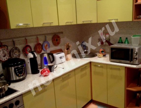 Продаю кухонные фасады с кухонной вытяжкой,  МОСКВА